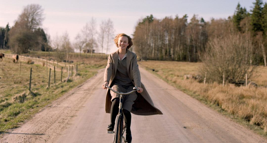 trailer Becoming Astrid